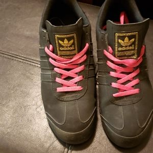 Black sneakers Adidas Samoa